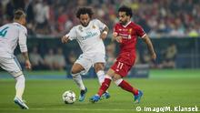 Ukraine, Kiew: Fußball: Champions League, Real Madrid - FC Liverpool Pokal
