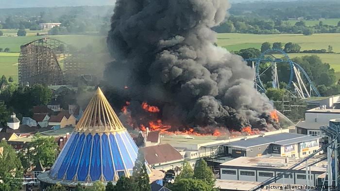 Deutschland, Rust: Großbrand im Europapark Rust