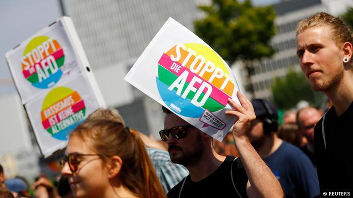Deutschland - Berlin Gegendemo zu AFD Demonstration (REUTERS)