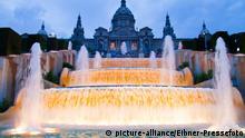 Spanien Barcelona Brunnen am Montjuic