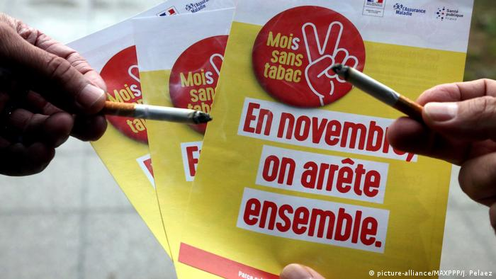 Flyers in French urging people to quit smoking