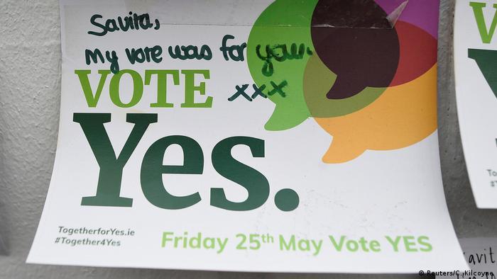 Irland Referendum über Abtreibung: Botschaft an Savita Halappanavar (Reuters/C. Kilcoyne)