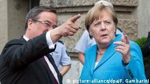 Deutschland Jahrestag 25 Jahre Solinger Brandanschlag | Angela Merkel und Armin Laschet