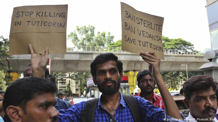 Indien Aufstand gegen Sterlite Cooper Factory in Tamil Nadu (picture-alliance/AP Photo/A. Rahi)