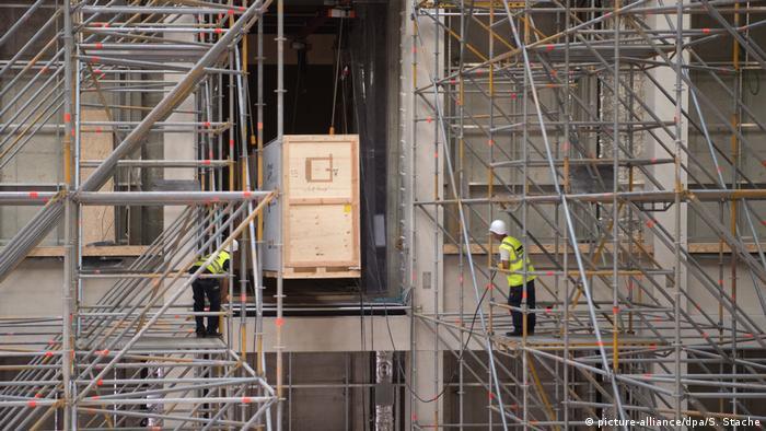 Wooden crate entering construction site of Humboldt-Forum