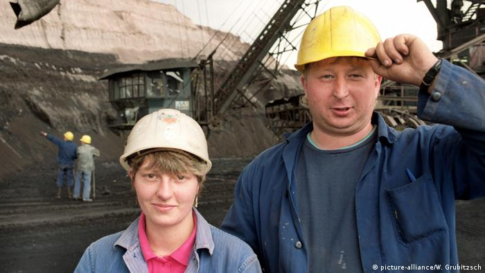 Arbeiter im Braunkohletagebau Profen bei Zeitz