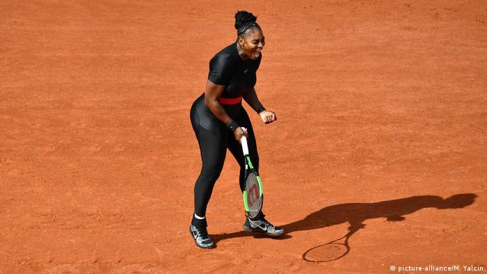 Frankreich, Paris: French Open, Tag 3: Serena Williams (picture-alliance/M. Yalcin)