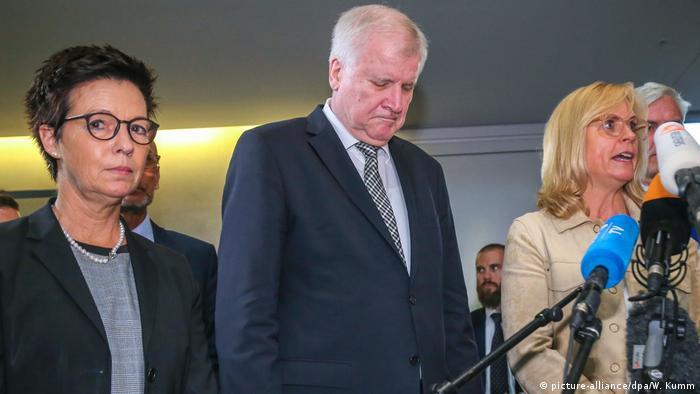 Deutschland, Berlin: Bundestags-Innenausschusses zur Bamf-Affäre