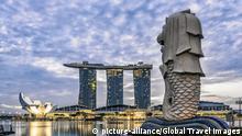 Marina Bay, Merlion, Marina Bay Sands Hotel, Pier, Singapore, Singapur, Southest Asia, | Verwendung weltweit, Keine Weitergabe an Wiederverkäufer.
