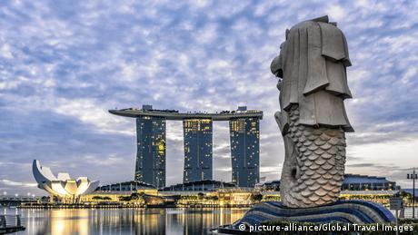 Singapur Marina Bay, Merlion (picture-alliance/Global Travel Images)