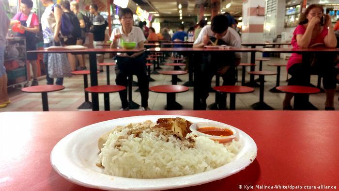 Singapur Garküche expandiert (picture-alliance/dpa/K. Malinda-White)