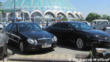 Taschkent, die usbekische Hauptstadt, Architektur und Geschichte von Usbekistan in Taschkent, Automarkt in Usbekistan, Mai 2018