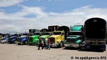 Streik von Lkw-Fahrern in Kolumbien A view of lorries parked during a protest in Bogota, Colombia, 13 July 2016. The Colombian Government and the lorry drivers, who are in strike since 37 days ago, restarted the dialogues to unblock protests with the mediation of the President of the Episcopal Conference of the country, Monsignor Luis Augusto Castro. EFE/Leonardo Munoz COLOMBIAN GOVERNMENT AND LORRY DRIVERS RESTART DIALOGUE WITH THE MEDIATION OF CHURCH !ACHTUNG: NUR REDAKTIONELLE NUTZUNG! PUBLICATIONxINxGERxSUIxAUTxONLY BGT003 20160714-636040516425152617 Strike from Trucks Drivers in Colombia a View of Lorries parked during a Protest in Bogota Colombia 13 July 2016 The Colombian Government and The Lorry Drivers Who are in Strike Since 37 Days Ago restarted The Dialogues to unblock Protest With The Mediation of The President of The Episcopal Conference of The Country Monsignor Luis Augusto Castro Efe Leonardo Munoz Colombian Government and Lorry Drivers restart Dialogue With The Mediation of Church Regard only Editorial Use PUBLICATIONxINxGERxSUIxAUTxONLY BGT003 20160714 636040516425152617