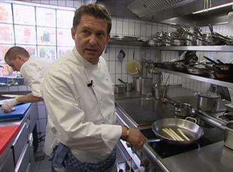 Spargel mit shiitakepilzen in ingwersauce vegetarische for Koch 4 sterne