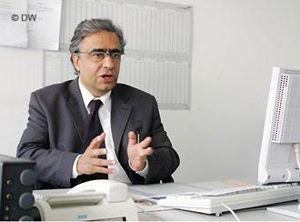 جمشید فاروقی، رئیس بخش فارسی دویچهوله