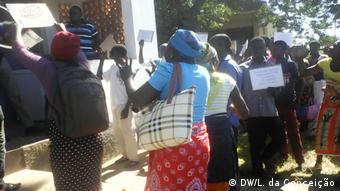 Mosambik Protest der Bevölkerung in Inhassoro