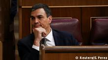 31.05.2018+++Madrid, Spanien+++ Spain's Socialist (PSOE) leader Pedro Sanchez listens to Spain's Prime Minister Mariano Rajoy during a motion of no confidence debate at Parliament in Madrid, Spain, May 31, 2018. REUTERS/Sergio Perez