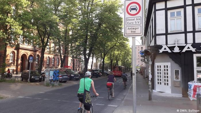 picture of cyclist driving along Max Brauer-Allee in Hamburg