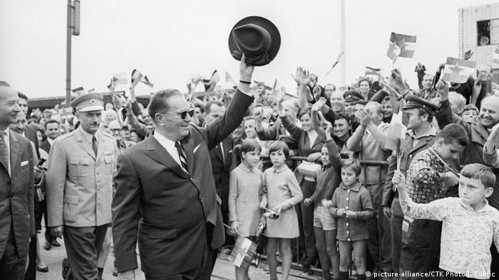 Josip Broz Tito und Alexander Dubcek 1968 in Prag
