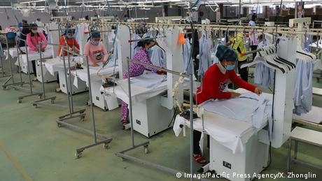 Une usine de vêtement de Nantong, en Chine