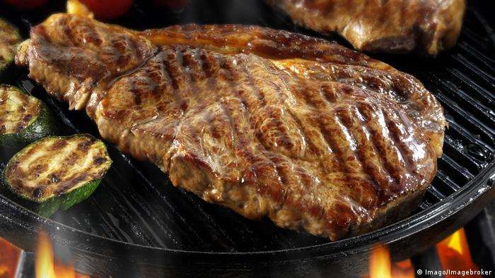 Steak in Pfanne (Imago/Imagebroker)