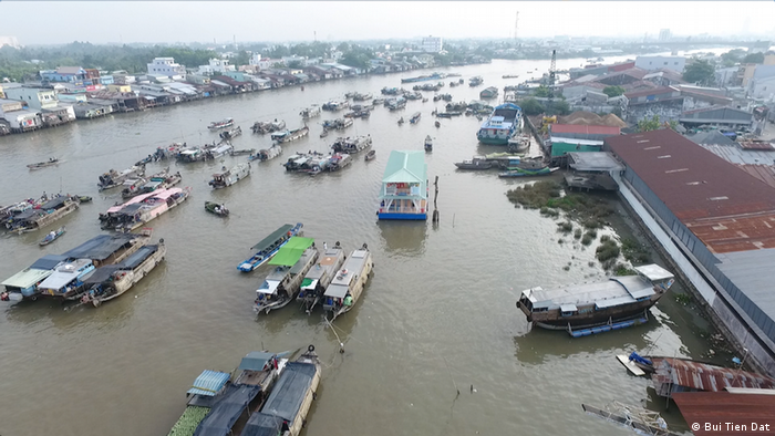 Aerial view of the busy Mekong River in Vietnam (Bui Tien Dat)