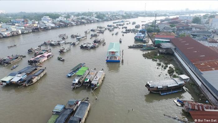 Barcos no rio Mekong, no Vietnã