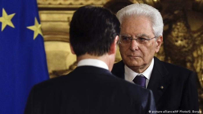 Sergio Mattarella und Giuseppe Conte (picture-alliance/AP Photo/G. Borgia)