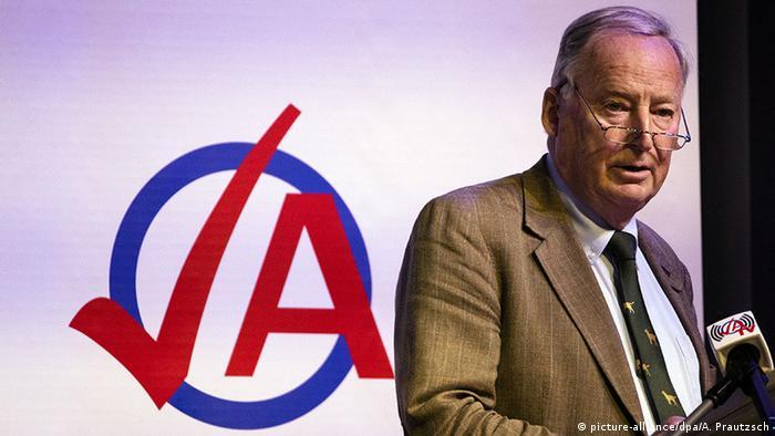 Deutschland | Bundeskongress der Jungen Alternative (JA) für Deutschland | Alexander Gauland (picture-alliance/dpa/A. Prautzsch)