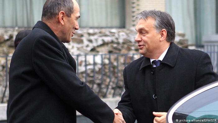 Viktor Orban meets Janez Jansa in 2012 (picture-alliance/EPA/STR)