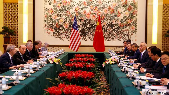 China | Chinas Stellvertrender Minsterpräsident He trifft US-Handelsminister Ross