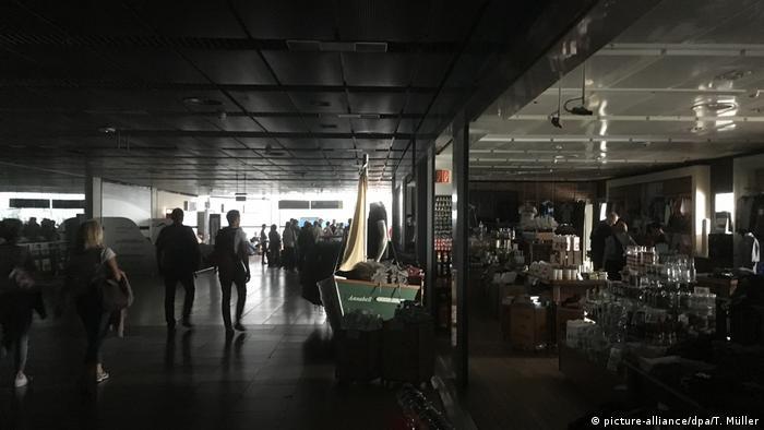 Темрява в аеропорту Гамбурга