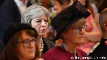 England Gedenken an Terror-Opfer in London Theresa May