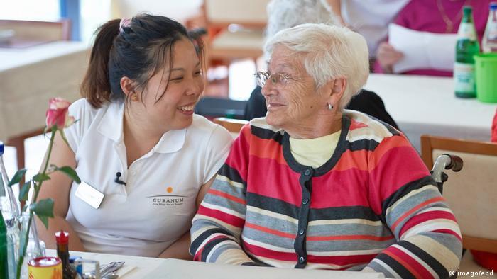 Доглядальниця за літніми людьми в Німеччині