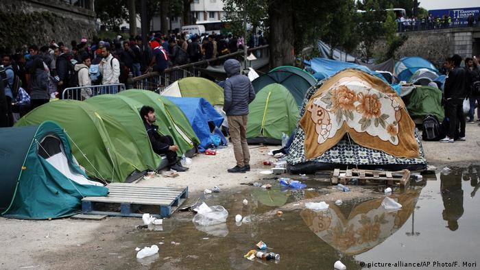 Табір мігрантів у Парижі