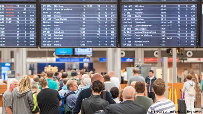Deutschland Hamburger Flughafen Tag nach Stromausfall
