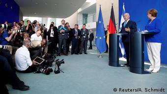 Όπως και άλλοι ευρωπαίοι ηγέτες η Μέρκελ διαφωνεί με την εποικιστική πολιτική των Ισραηλινών