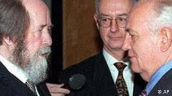 Александр Солженицын и Михаил Горбачев