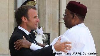 Frankreich Präsident Emmanuel Macron & Mahamadou Issoufou, Präsident Niger