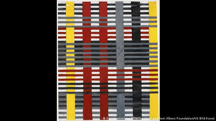A multi-colored geometric textile (Kunstsammlung NRW/The Josef and Anni Albers Foundation/VG Bild-Kunst)