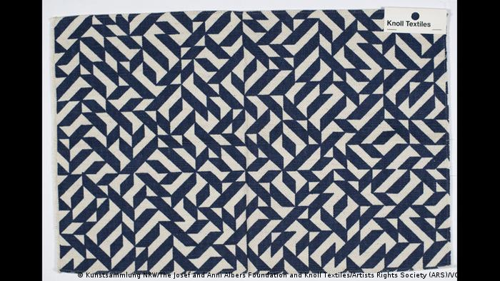 A blue and white zigzag design