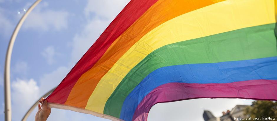 Decisão de tribunal da UE tem implicações para países-membros que não oferecem proteção legal para casais homossexuais