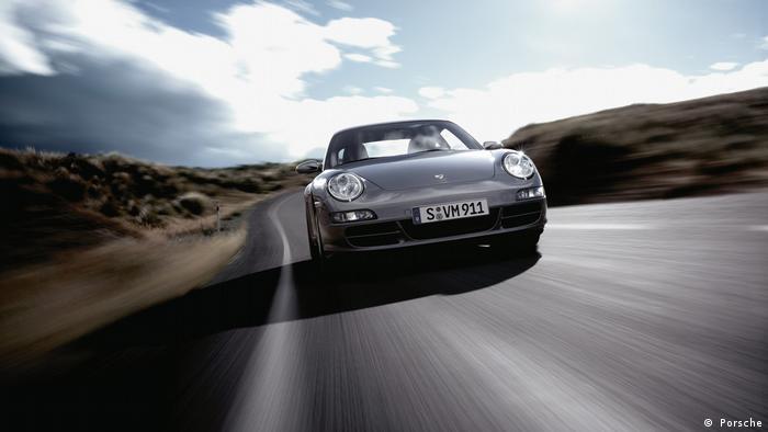 Porsche auf der Straße ( Porsche)