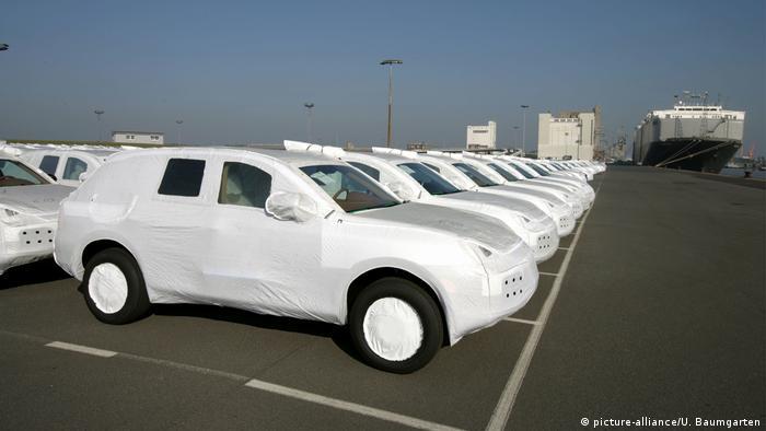Porsche-Export in die USA (picture-alliance/U. Baumgarten)