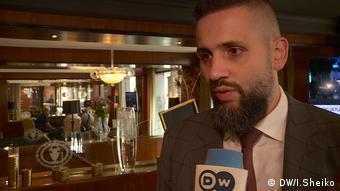 Максим Нефьодов під час інтерв'ю DW у Брюсселі