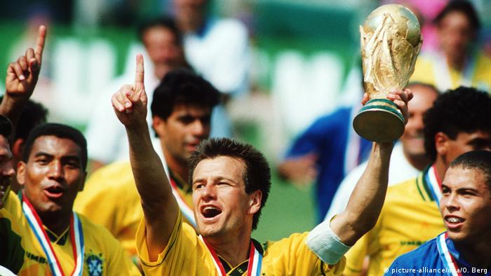 Fußball Weltmeister 1994 Brasilien (picture-alliance/dpa/O. Berg)