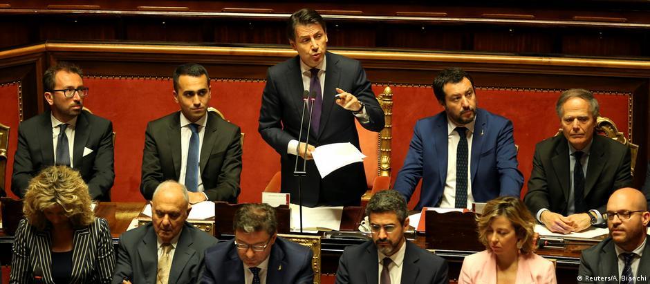 Conte apresentou proposta do governo ao Senado antes de votação