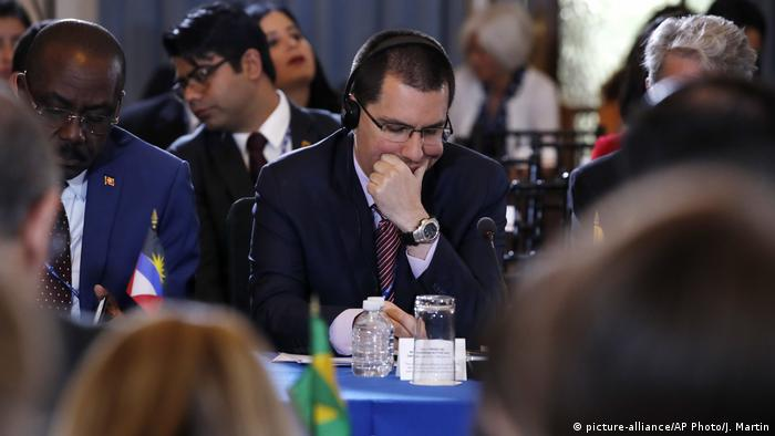 Venezuela Außenminister Jorge Arreaza (picture-alliance/AP Photo/J. Martin)