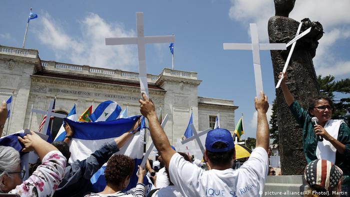 USA OAS Nicaragua Protest (picture-alliance/AP Photo/J. Martin)