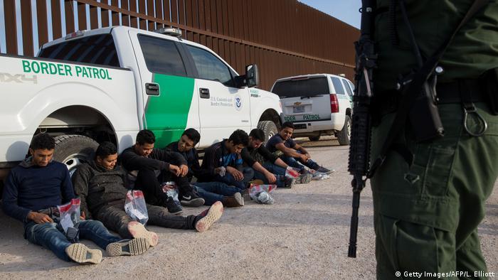 USA Illegale Einwanderer an der Grenze zu Mexiko bei McAllen